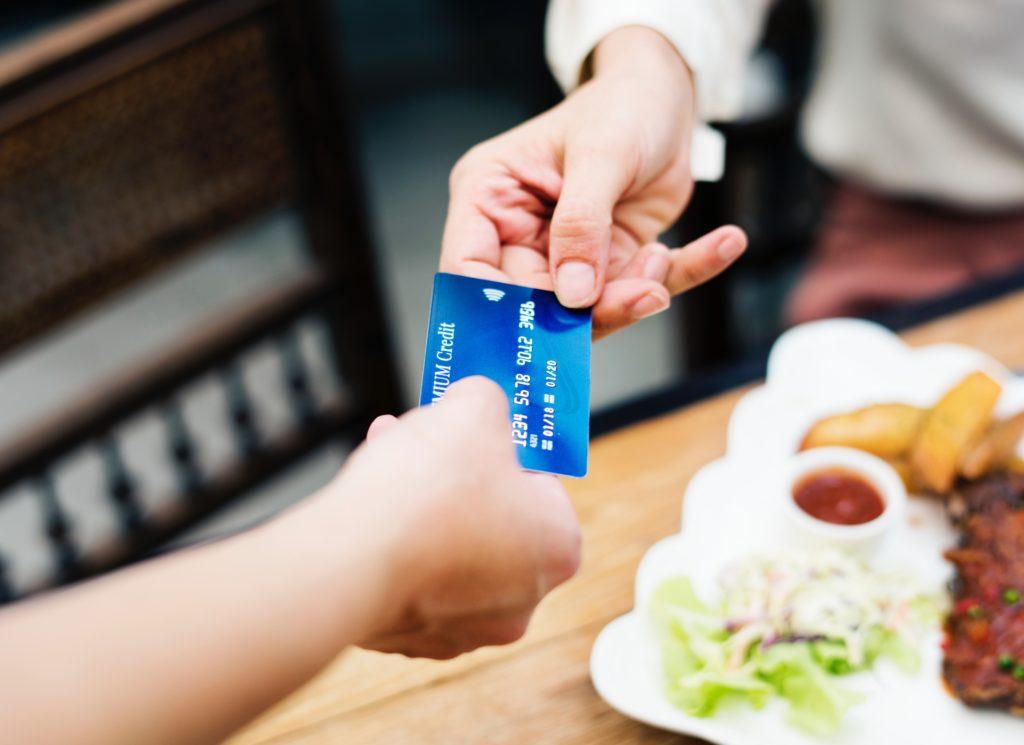 תשלום באשראי